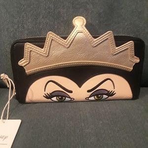 NWT Disney Villian Evil Queen Wallet